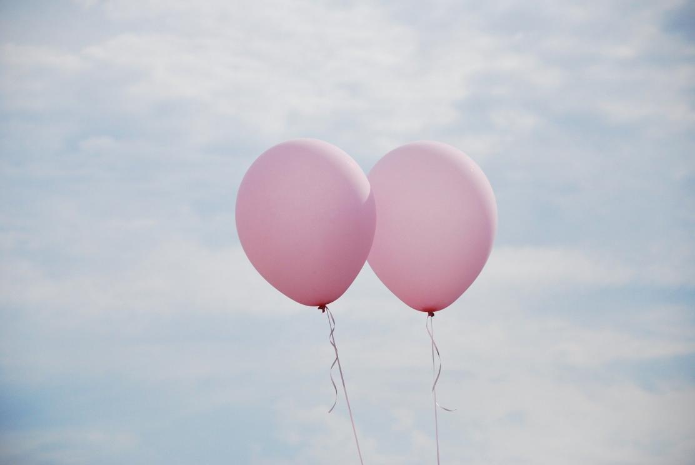 glad-alla-hjärtans-dag-2020-rosa-ballonger