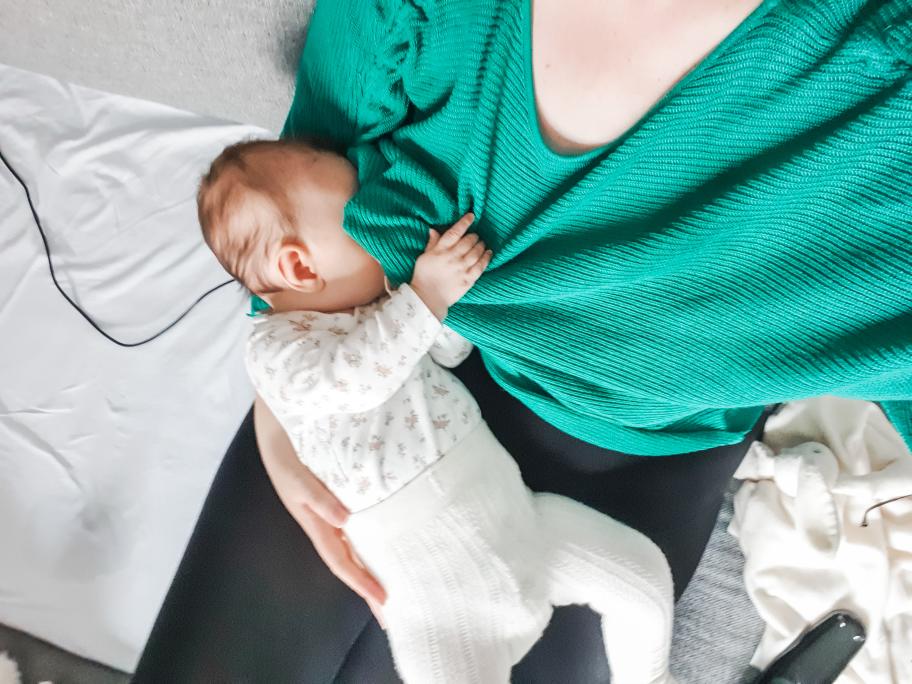 Amning-3-månaders-bebis