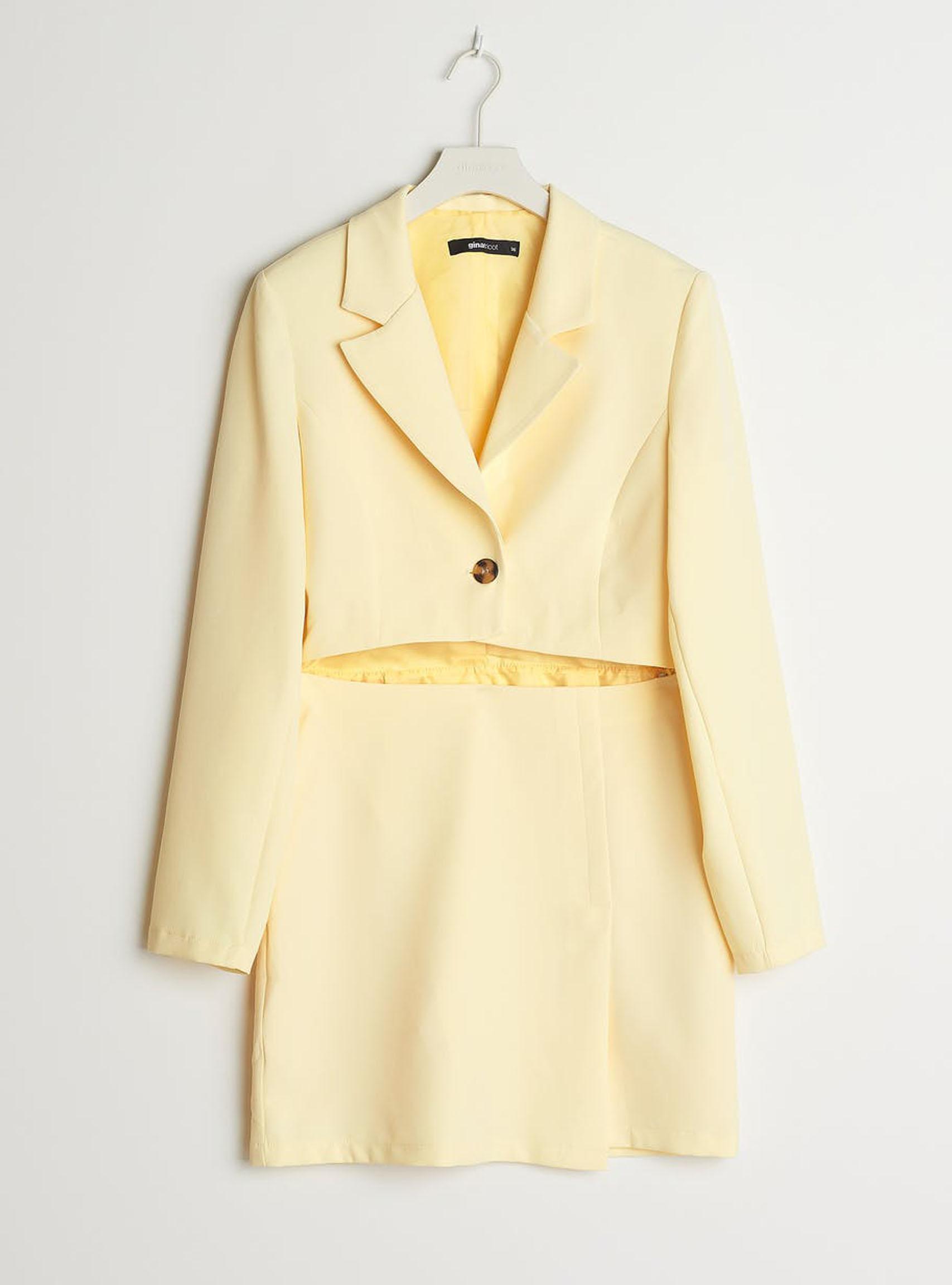 ljusgul-blazer-dress-klänning-med-utskuret-parti-vid magen-från-gina-tricot
